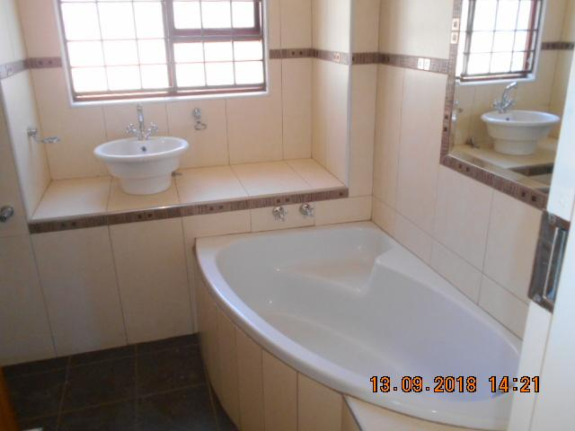 Property For Sale in Northcliff, Johannesburg 7